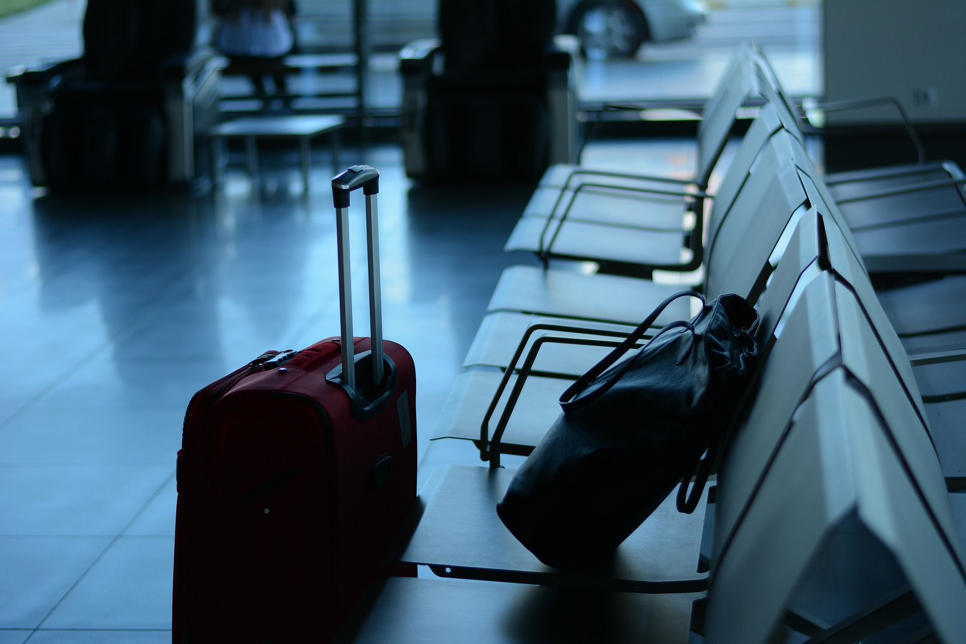 Essential Things To Pack While Travelling