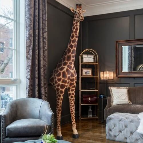 wall mounted giraffe head