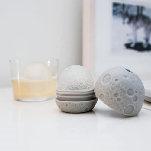 moon ice ball mold kikkerland